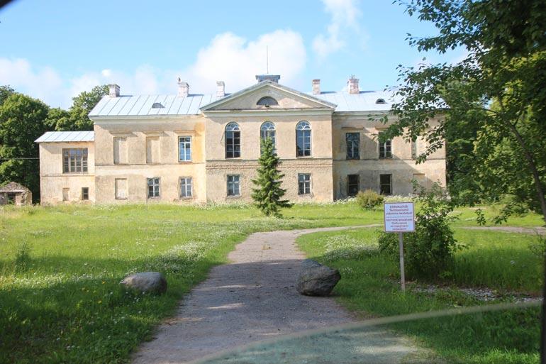 Palandereiden pääasiallisena kotina on komea maaseutukartano Virossa.