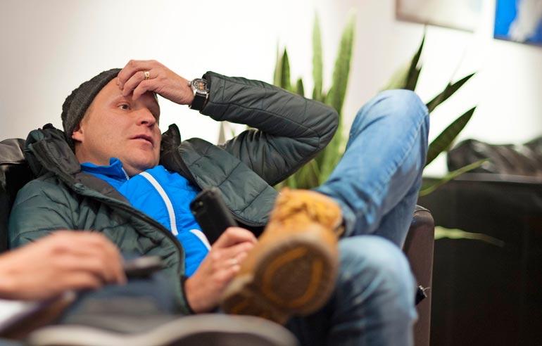 Ylen tv-kommentaattorina toimiva Kalle villitsi tv-katsojia viime viikonloppuna Levin maailmancupissa riehakkaalla ulosannillaan. Tämä otos on kolmen vuoden takaisista kisoista.