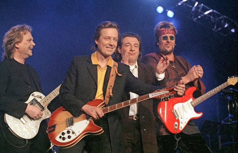Pepe Willbergin, Pave Maijasen, Kirkan ja Hectorin Mestarit   areenalla -konsertti vuonna 1998 oli jättimenestys.