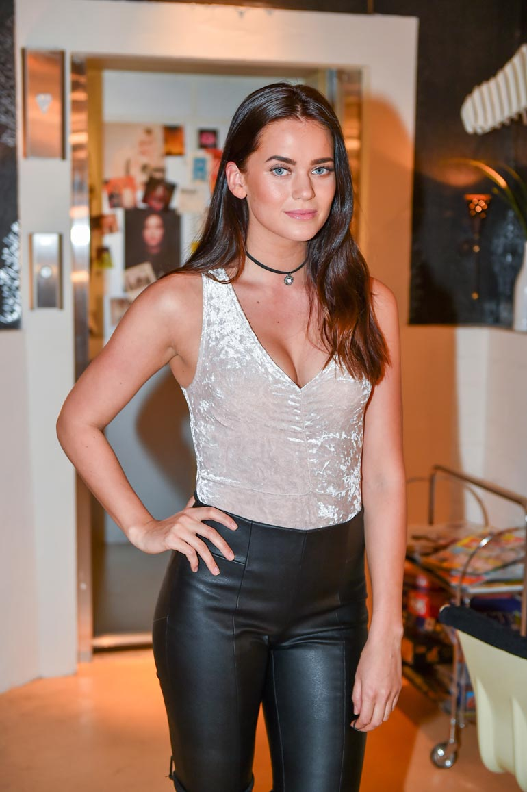 Johanna tunnetaan Salatut elämät -sarjan Alissa Nikkisenä.