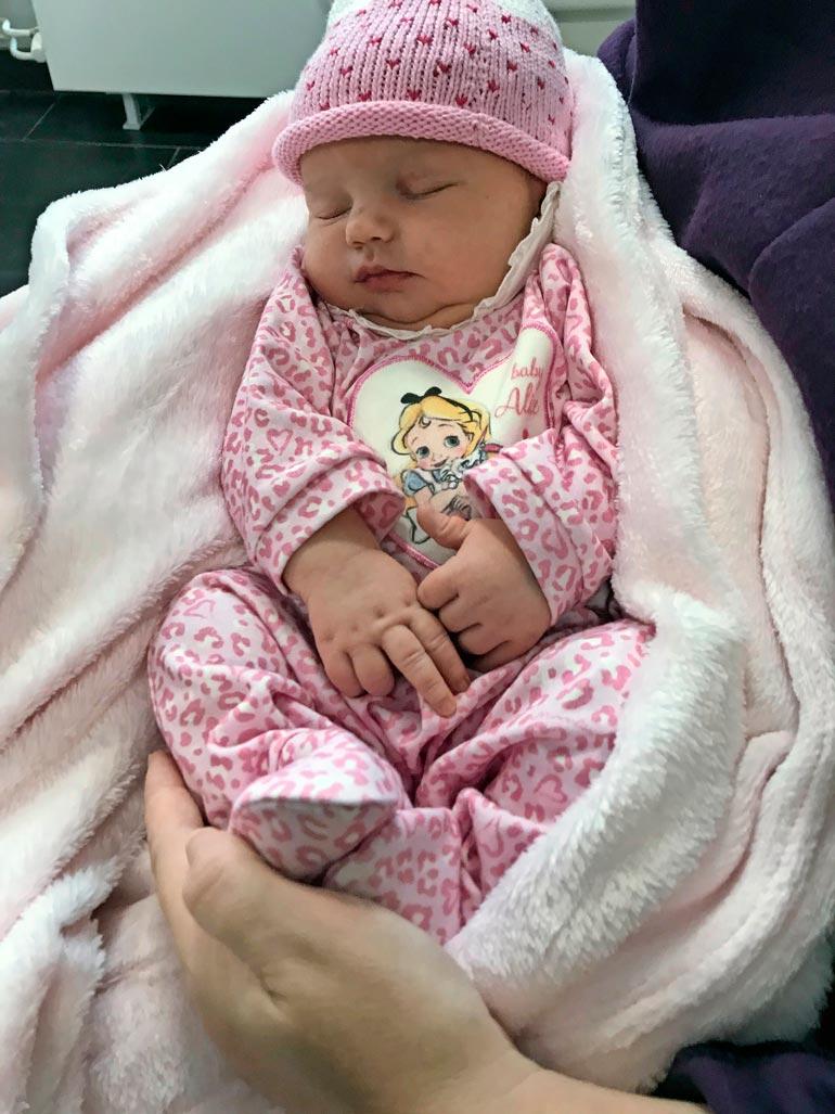 Johannan ja Paulin esikoinen Isabell syntyi lokakuun alussa. – Hän on suurin mahdollinen siunaus.
