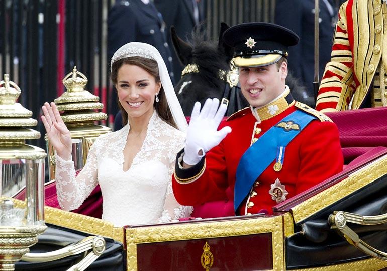 William ja Catherine avioituivat huhtikuussa 2011. Heidän hääkuvansa varastettiin hovista.