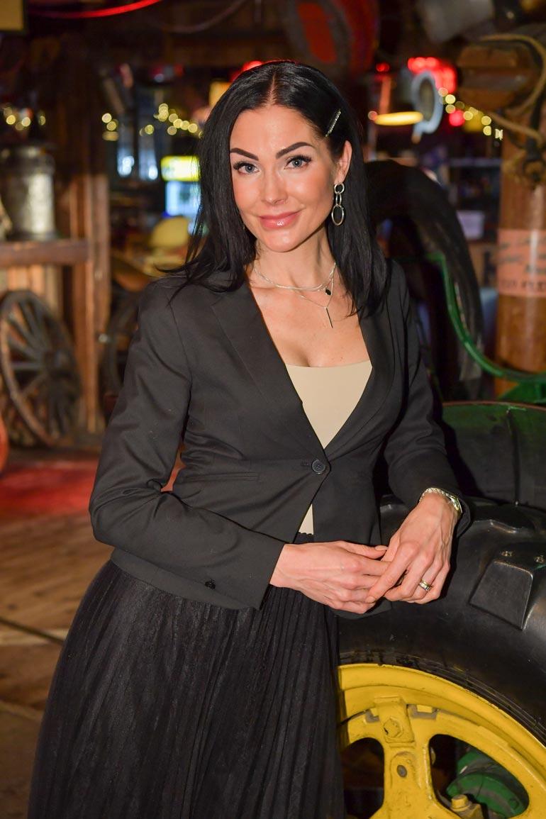 Riina-Maija Palander on nähty kesästä lähtien läheisissä tunnelmissa useiden eri miesten kanssa.