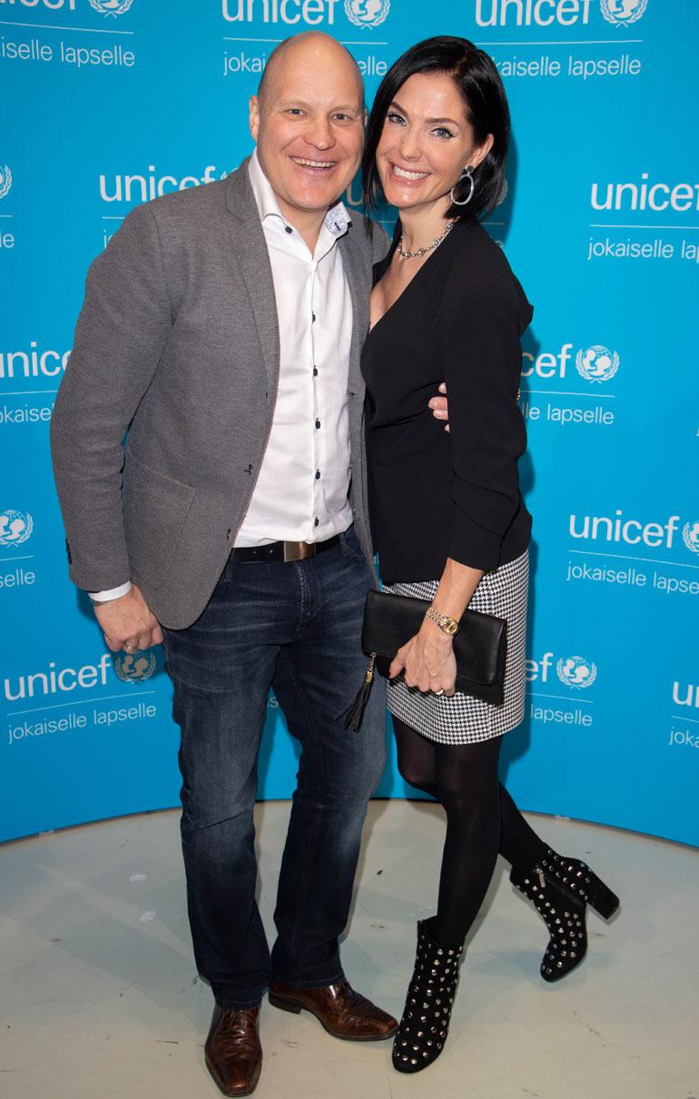 (190315) -- Helsinki, March 15, 2019 – Kalle and Riina-Maija Palander poses for the camera during UNICEF maailman tärkein ilta in Helsinki, Finland, 15. March 2019. (Matti Matikainen/Aller Media)