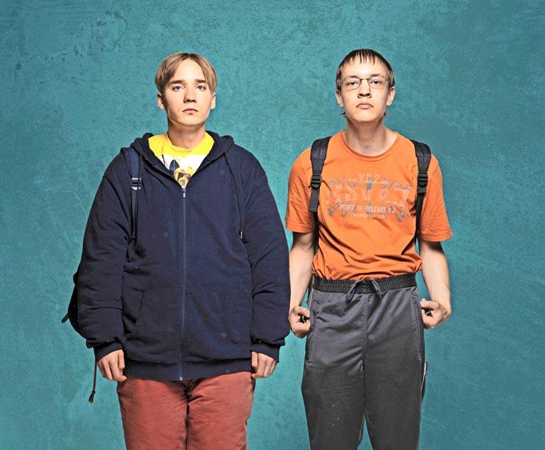 Uusi sarja Duo alkaa TV2:lla joulupäivänä. Areenasta se löytyy jo nyt. Sarjan malleina poseeraavat Juho ja Joose.