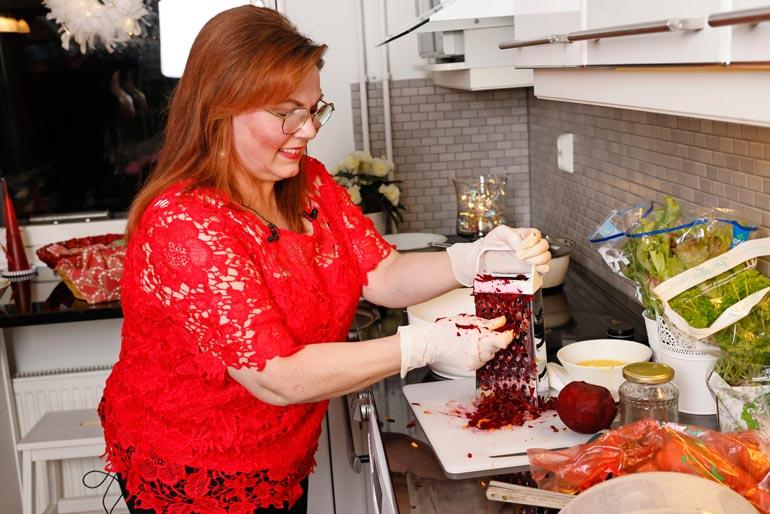 Nina lähettää jouluisen viestin. – Haluan toivottaa Seiskan lukijoille oikein ihanaa, rauhaisaa ja maukasta joulun aikaa reseptieni parissa!