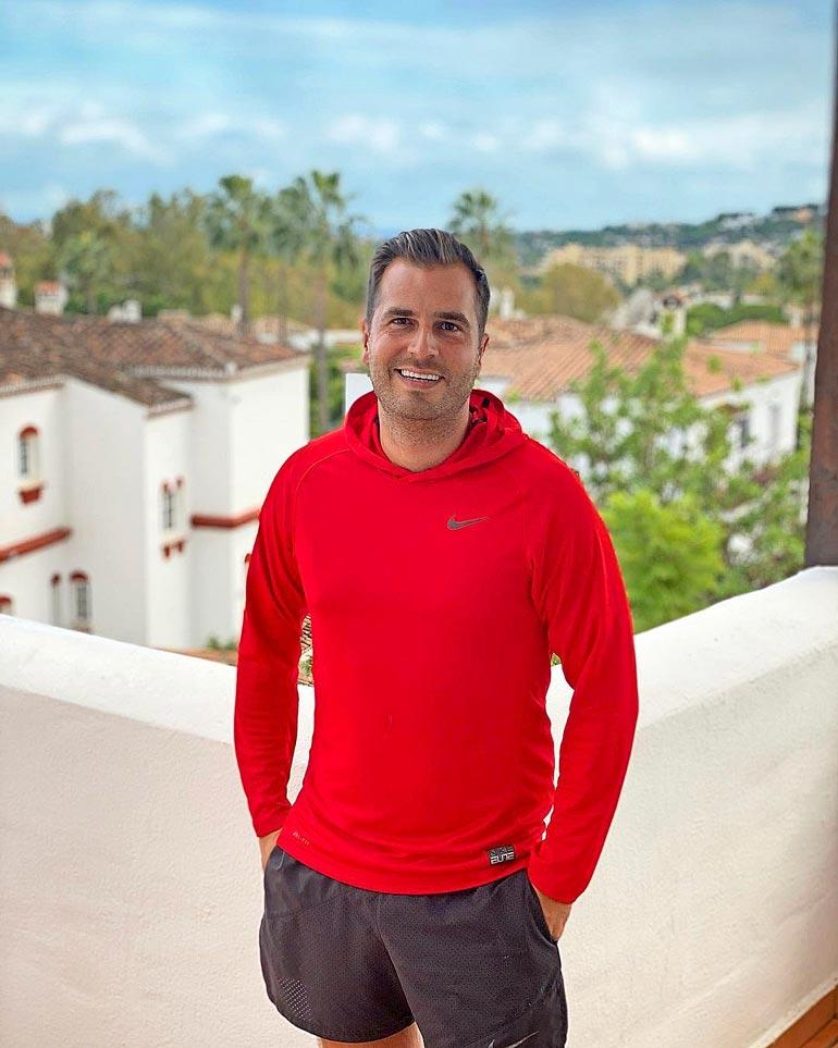 Niko ei ole tinkinyt elämänlaadustaan. Hän asuu rikkaiden suosimassa Marbellan kaupungissa Espanjan Aurinkorannikolla.