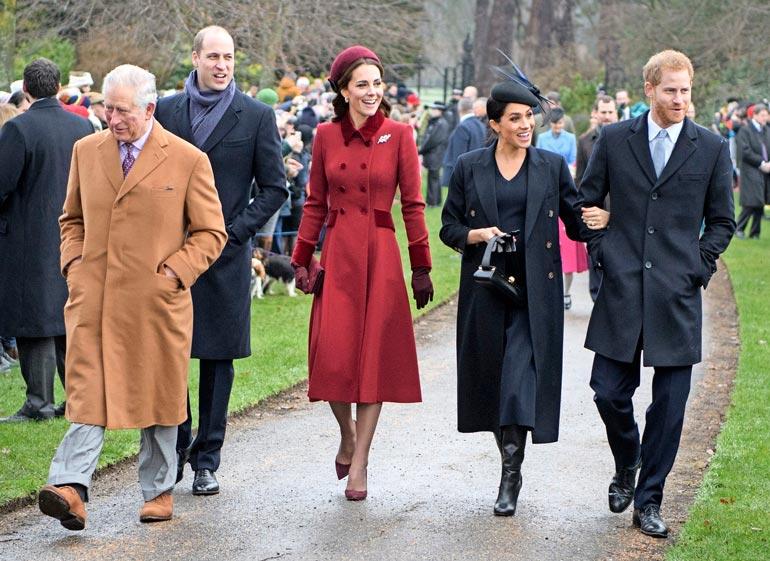 Charles ja hänen poikansa William ovat sairastaneet koronan, Kate ei. Heidät nähdään todennäkösesti kuningattaren joulupöydässä, josta Harry, Meghan ja Archie puuttuvat.