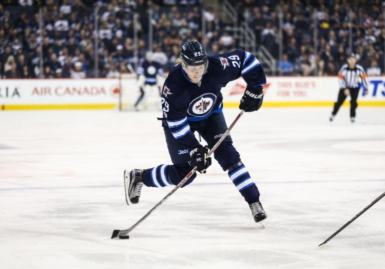 Patrik Laineelta odotetaan tulosta Winnipeg Jetsissä.