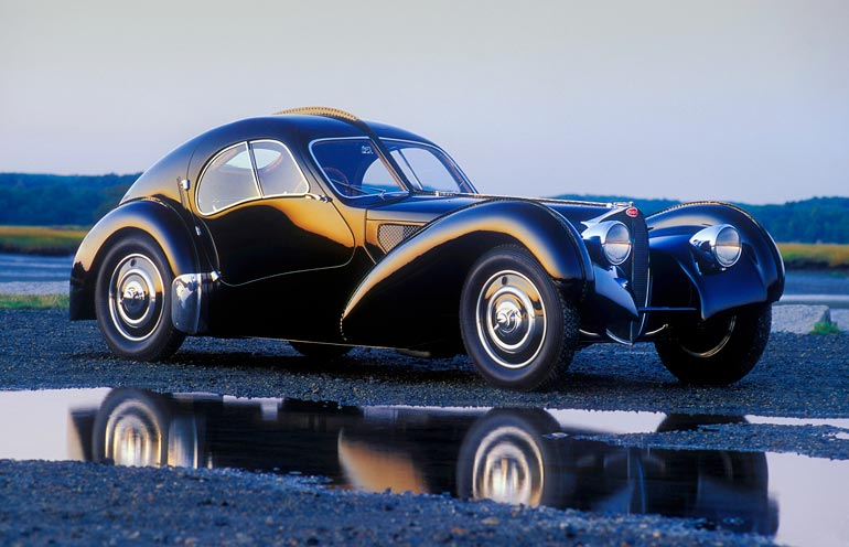 Kokoelman helmi on ehdottomasti Bugatti-merkkinen loistoauto, joka on mallia 57SC Atlantic Coupe. Hinnaksi sille on arvioitu 33 miljoonaa euroa.