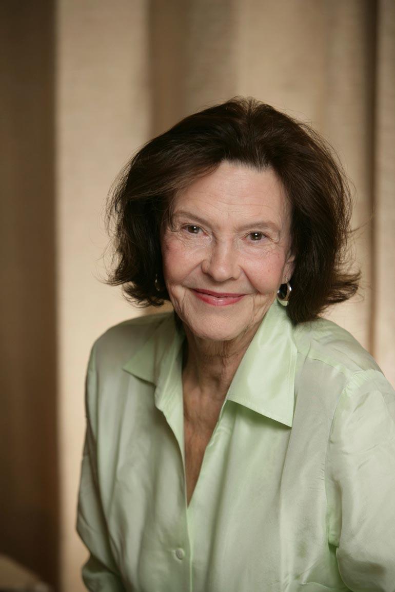 Tiina Rinne julkaisi elämäkertateoksen Tanssivan tähden alla vuonna 2003. Hän muistelee kirjassa lapsuuttaan teatteriperheessä sekä uraansa.