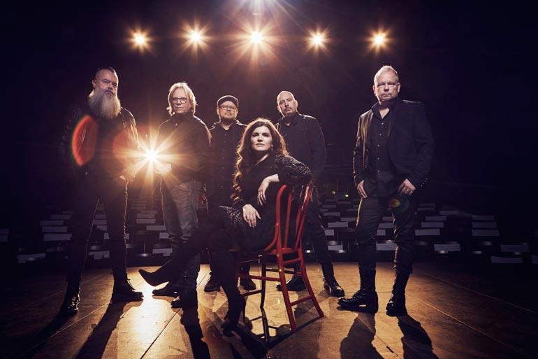 Olli Lindholmin kuolemasta on kulunut kaksi vuotta. Ensi kesänä bändin solistina kuullaan edesmenneen laulajan suojattia ja ikifania Suvi Teräsniskaa.