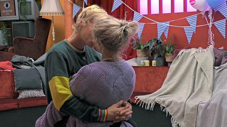 Pariskunta tutustui toisiinsa Big Brother -talossa vuonna 2019. Suhde syveni sittemmin ulkomaailmassa.
