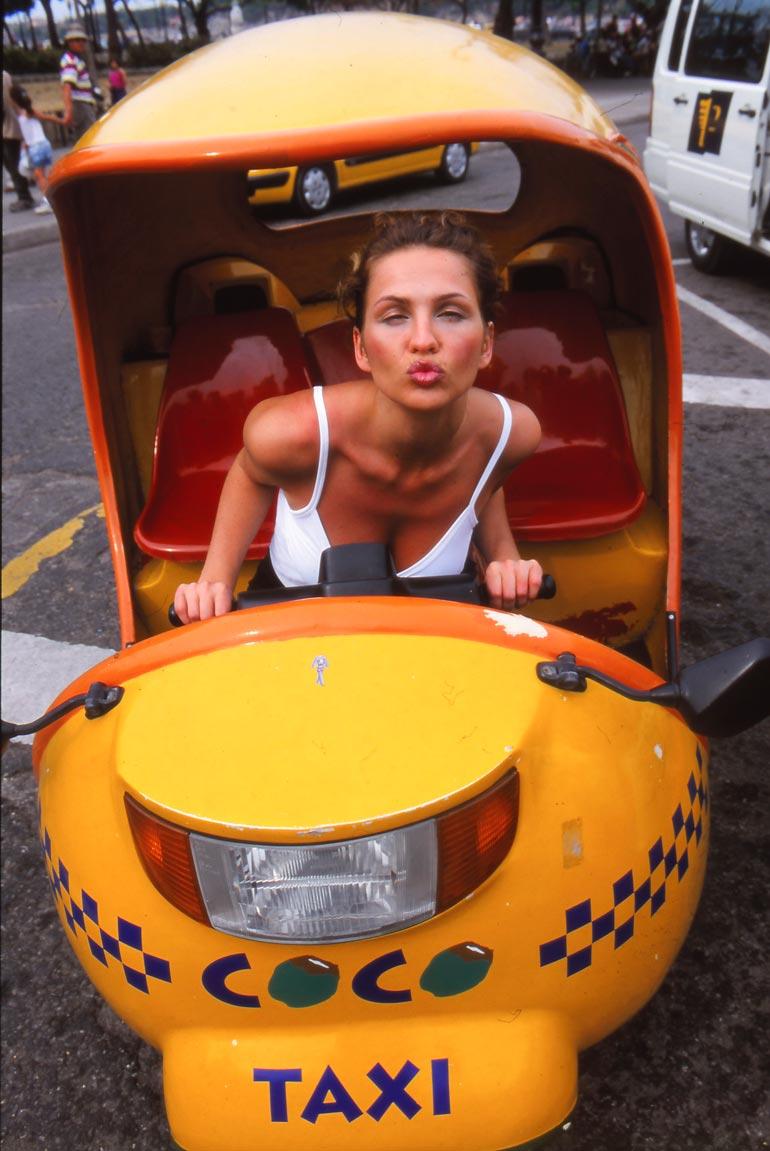 Havannassa riitti vauhtia ja vaarallisia tilanteita, joista Janina nautti täysin rinnoin.