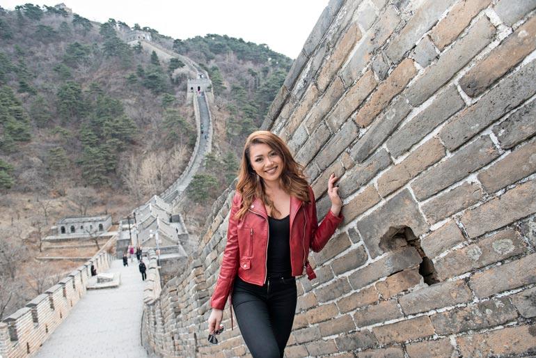 Edellisen kerran Shirly oli käynyt Kiinan muurilla ollessaan kolme- vuotias. – En muista siitä mitään, joten oli hieno päästä käymään siellä aikuisena.