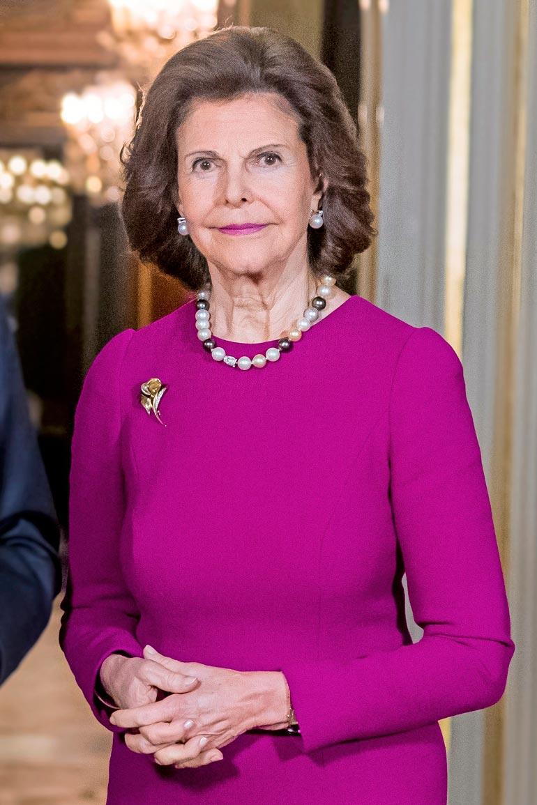 Silvia on menettänyt vuoden aikana useita ystäviä, eikä kuningattaren hymy ole enää entisensä.