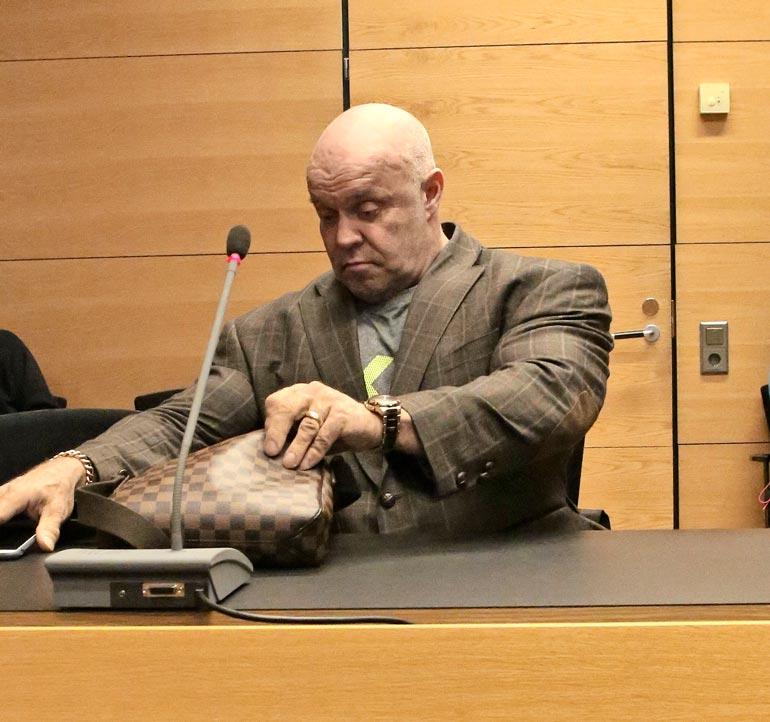 Tape on istunut oikeussaleissa ennnenkin. Vuonna 2016 hän joutui käräjille liikenneonnettomuudesta.