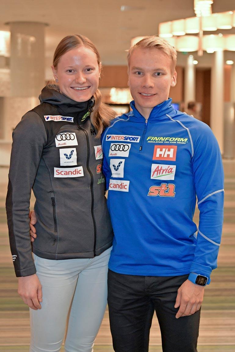 Maajoukkuehiihtäjät Johanna Matintalo ja Lauri Vuorinen ovat seurustelleet kahdeksan vuotta. Oberstdorfissa pariskunta majoittuu eri huoneisiin. – Kyllä sitä yhdet arvokisat kestää, vaikkemme voikaan olla kämppiksiä.