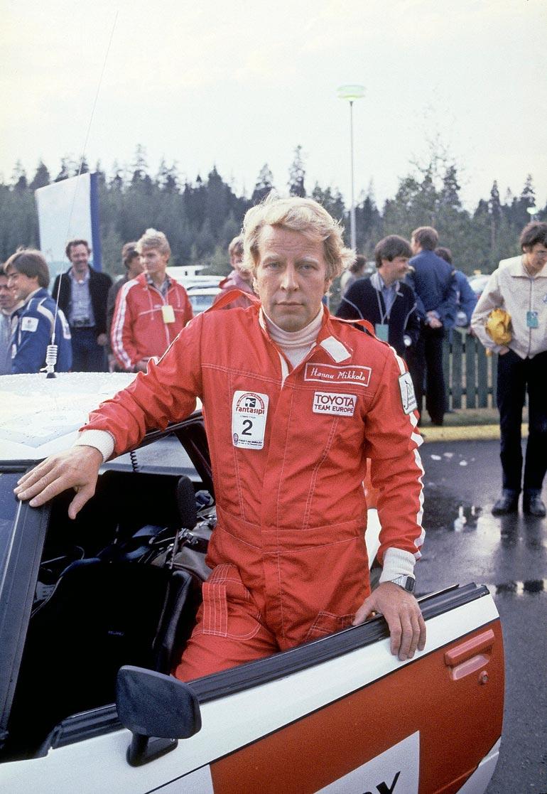Sinivalkoinen rallilegenda Hannu Mikkola voitti maailmanmestaruuden vuonna 1983. Hän nukkui pois viikonloppuna 78-vuotiaana.