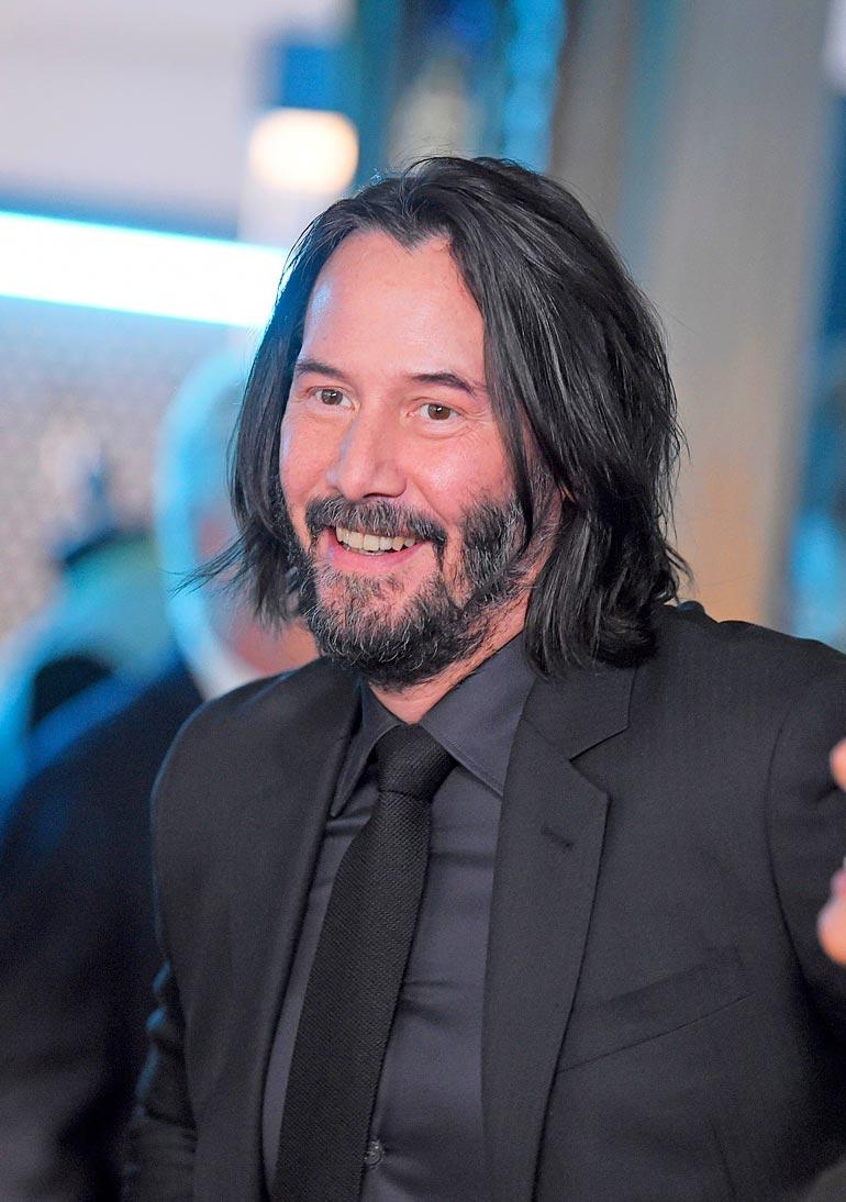 Kansainvälisten leffojen isot budjetit mahdollistavat tähtien käytön. Domekin oli jo samassa pöydässä Keanu Reevesin kanssa suunnittelemassa uutta leffaa. – Se kaatui budjetin karsimiseen, Dome harmittelee.