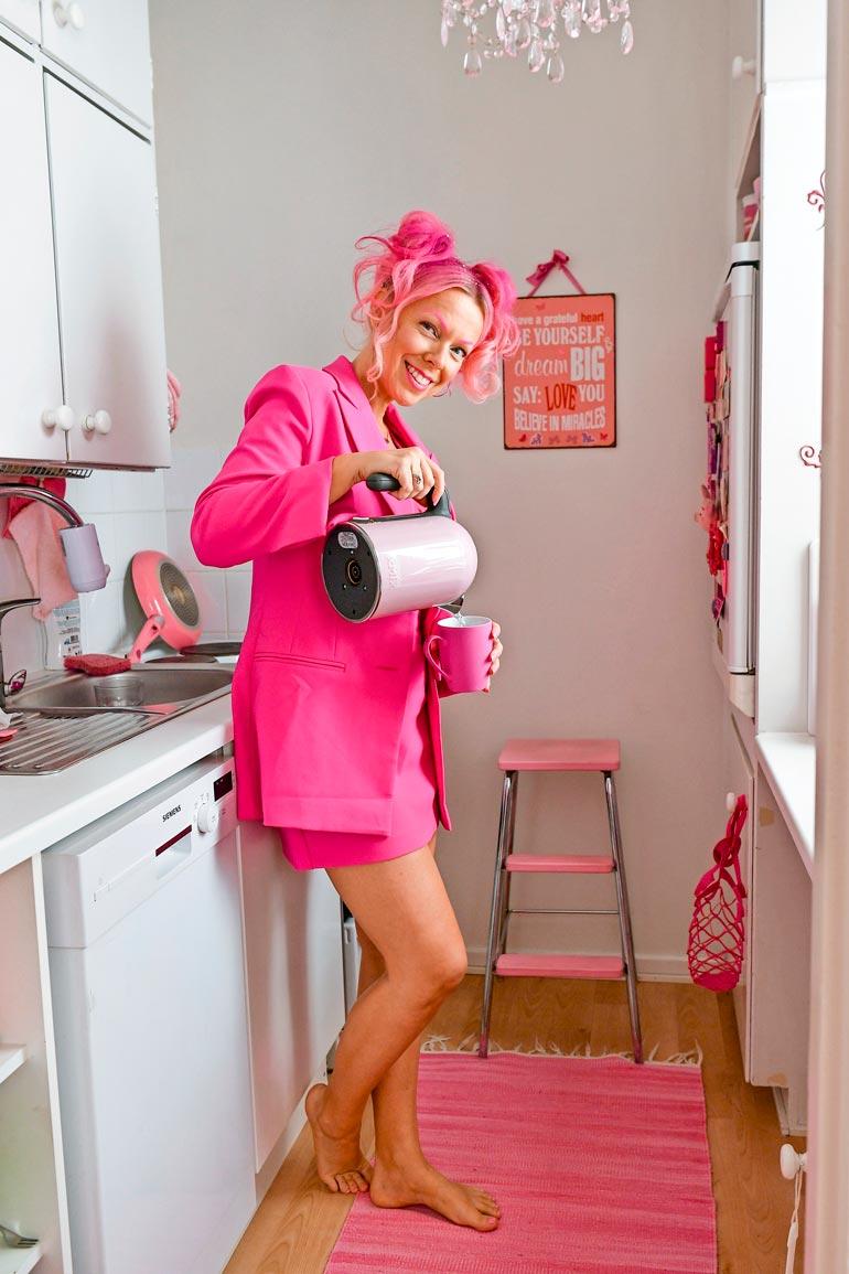 Terveellisten elämäntapojen nimeen vannova Pinksu ei käytä lainkaan alkoholia. – En ole koskaan edes maistanut sitä! Mieluummin juon vaikka teetä.