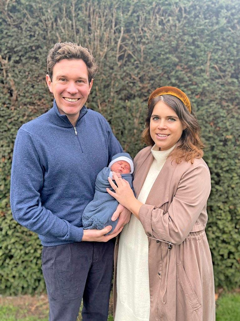 August syntyi 9.2. kello 8.55 samassa lontoolaissairaalassa kuin  äitinsä aikoinaan. Lapsi painoi  syntyessään 3 657 grammaa.