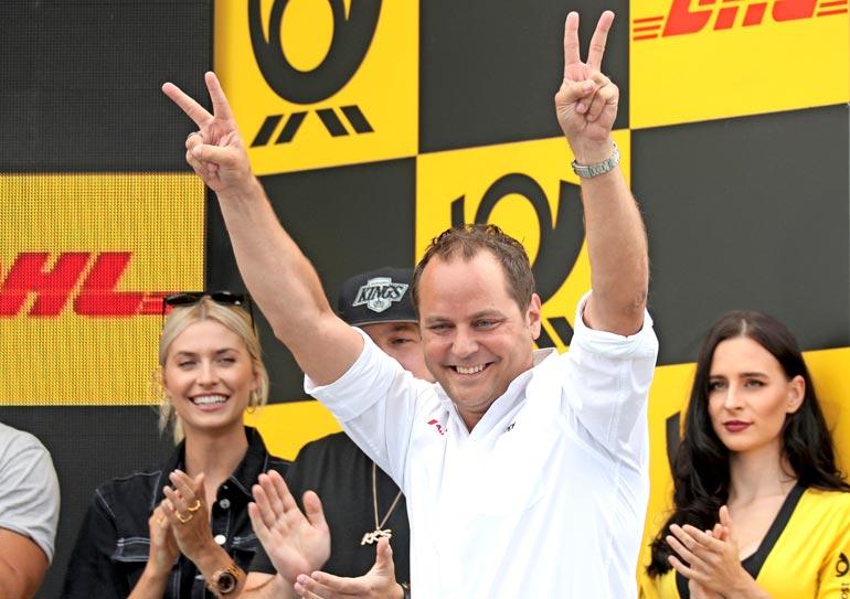 Rosberg X Racingia johtavan Kimmo Liimataisen, 42, koko elämä on hurahtanut moottoriurheilun parissa. – Halusin aina olla kuski, mutta olen onnistunut luomaan uran myös tallipuolella.