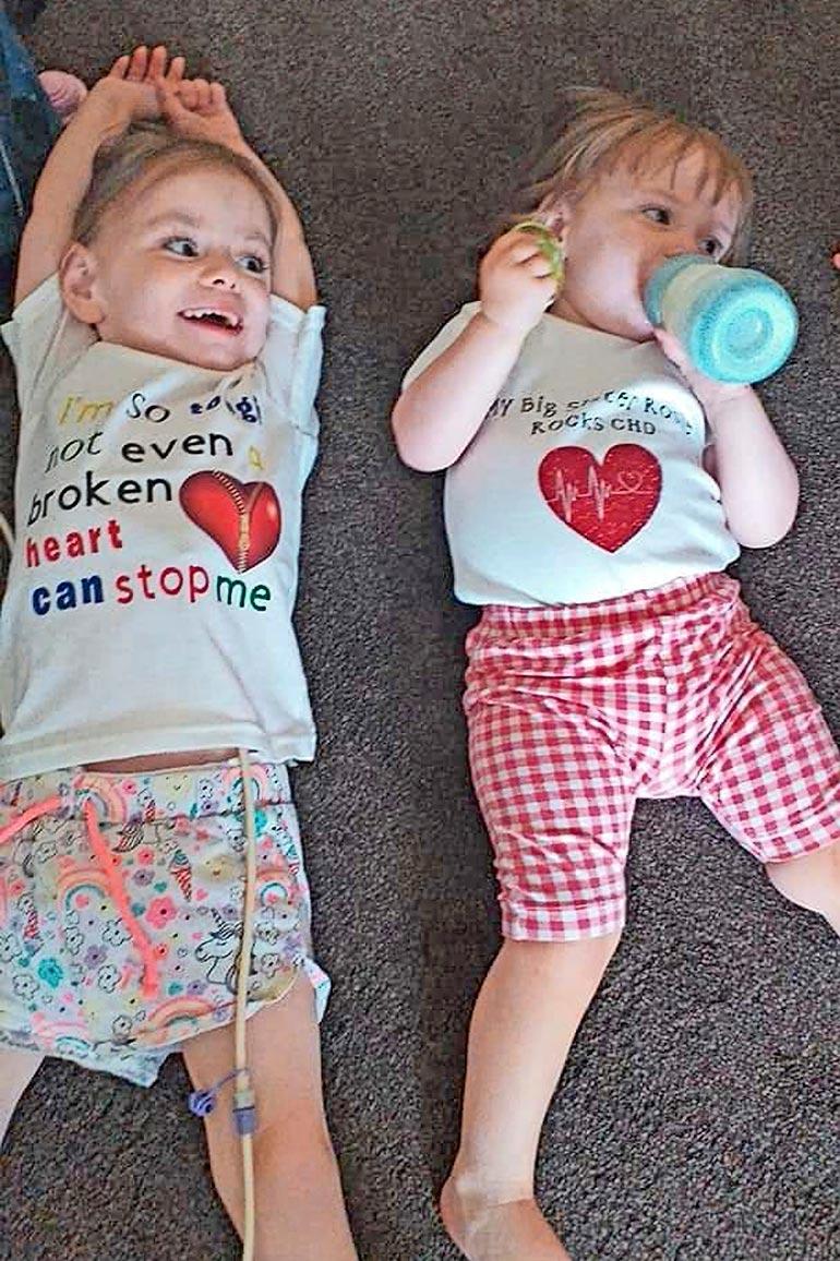 Rubyn ja Rosien terveyttä  tarkkaillaan yhä, mutta  tytöt voivat erinomaisesti.
