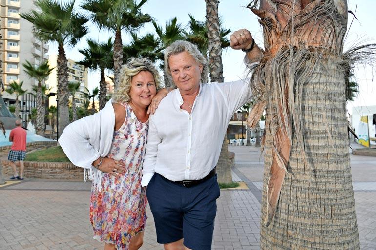 Parhaillaan Pepe keikkailee Aurinkorannikolla mukanaan vaimo Pauliina Visuri. Jos talous antaisi myöten, Pepe muuttaisi mielellään Espanjaan. – Fuengirola on mukava paikka, olen käynyt täällä 1980-luvulta asti.