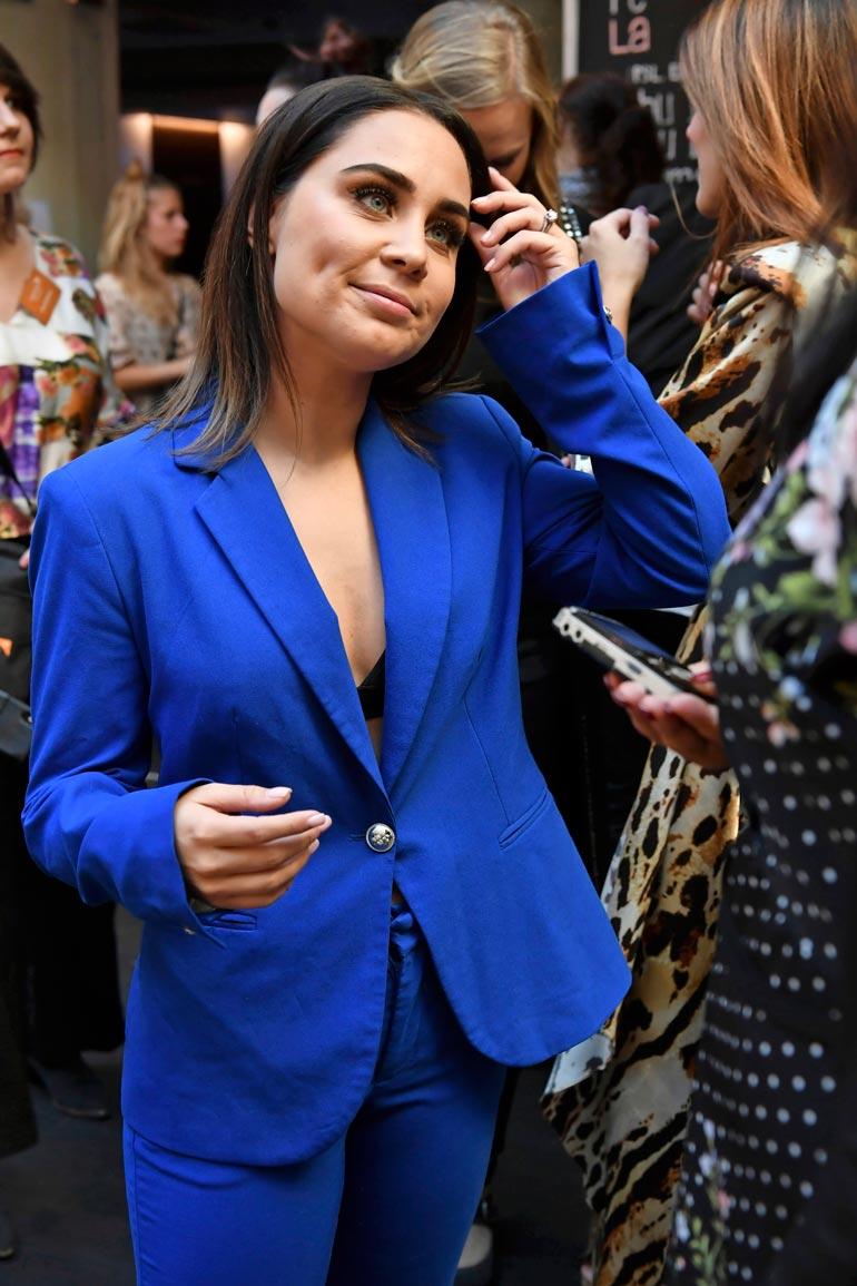 Anna Abreu tuli 2007 Idolsissa  toiseksi. Yli 180 000 leyvä myynyt  Anna käyttää nykyään taitelijanimeä ABREU.