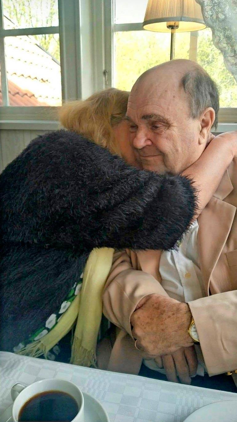 – Olemme hyvin onnellisia, isovanhemmat Marja ja Markku Tukiainen sanovat.