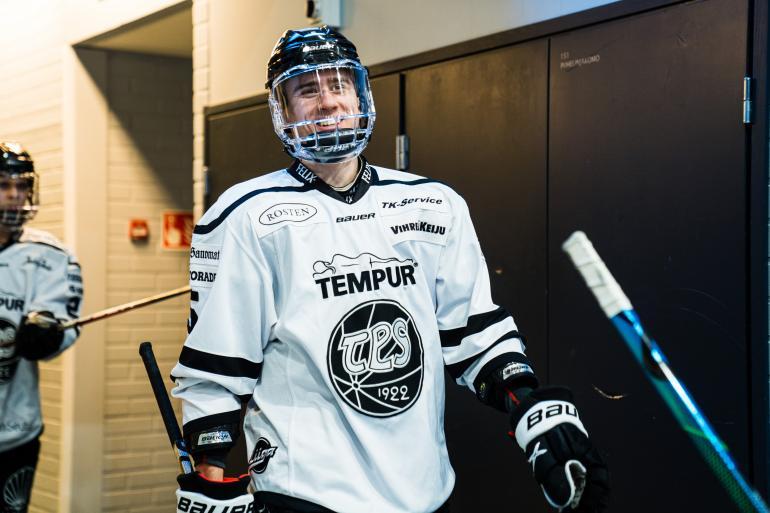 Hymypoika Eemil Viro kuuluu jo 19-vuotiaana liigakevään sensaatioihin.