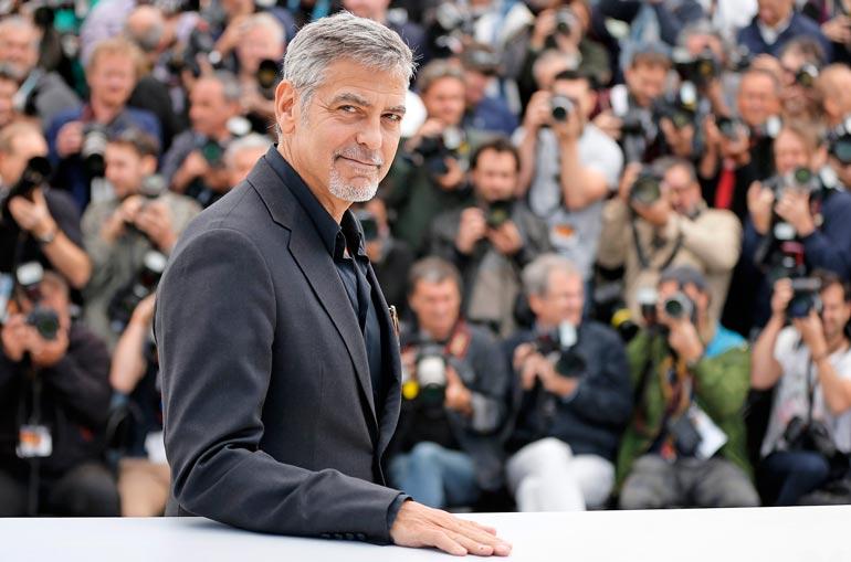 Yleisöäänestysten mukaan George on maailman seksikkäin ja vaikutusvaltaisin mies sekä Hollywoodin fiksuimpia, halutuimpia ja parhaiten pukeutuvia tähtiä.