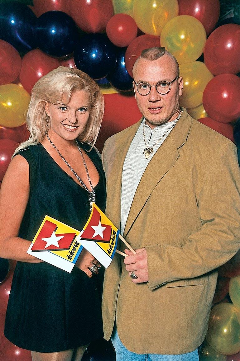 """1990-luvun lopulla Marianne heilasteli lyhyen aikaa Tony """"Viikinki"""" Halmeen kanssa."""