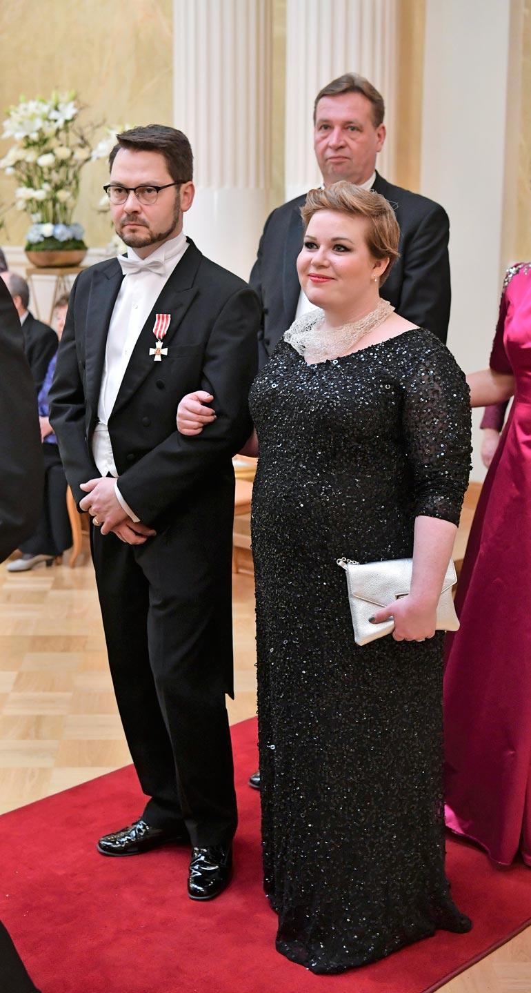 Annika on ollut naimisissa virkamiesjuristi Erkki Papusen kanssa seitsemän vuotta.