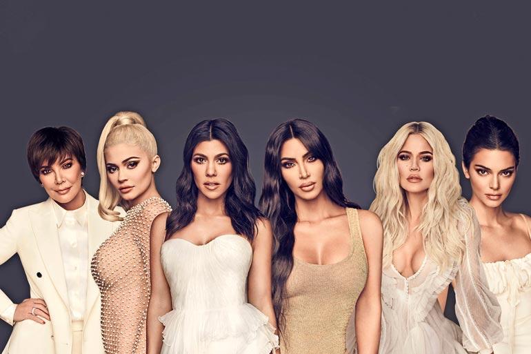 Perheenäiti ei jää neuvottomaksi Kardashianit-sarjan päättyessä, vaan hänen on huhuttu tyttäriensä tavoin havittelevan kosmetiikka-alalle.
