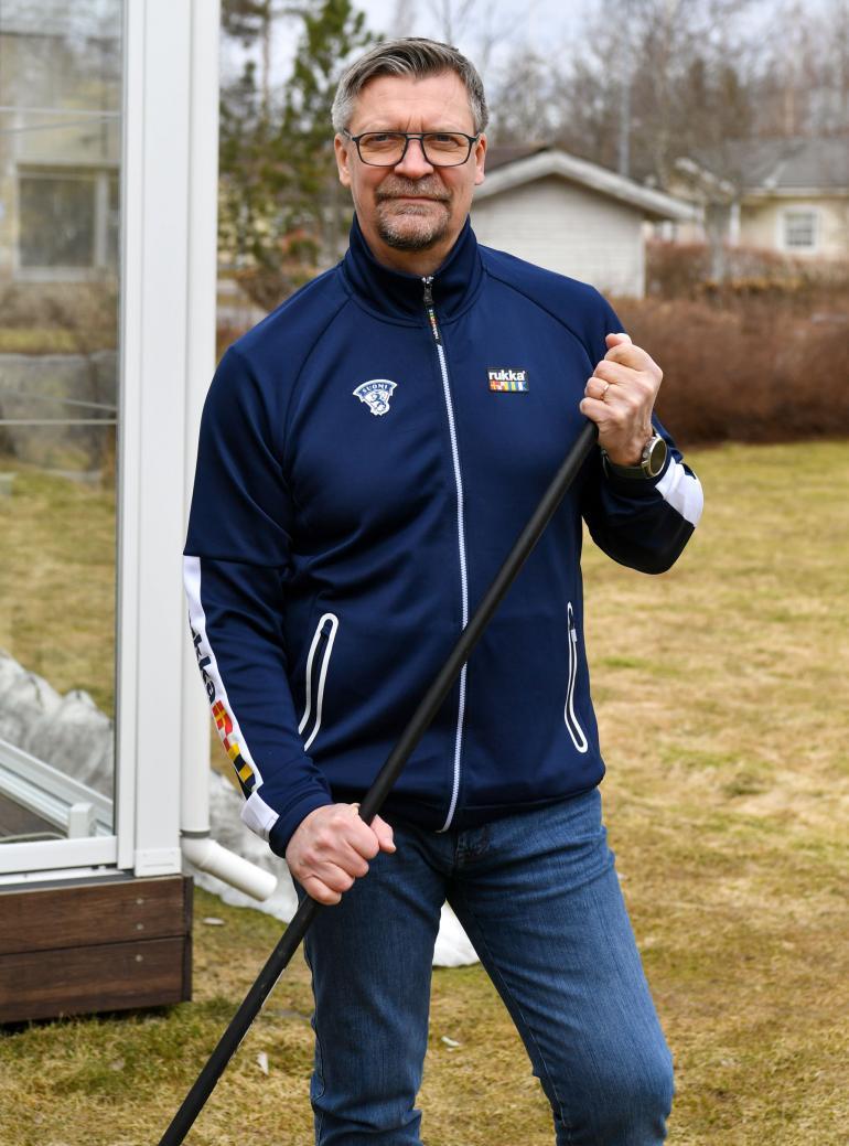 Leijonien päävalmentaja Jukka Jalonen kertoi Seiskalle kuulumisiaan kotikaupungissaan Riihimäellä.