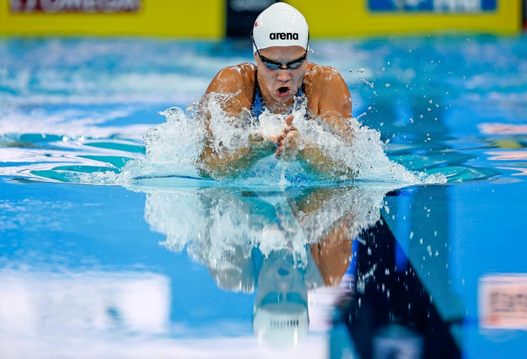 Uintiseura TaTUa edustava Ida on harvinaislaatuinen uintilahjakkuus. Äiti alkoi aikoinaan kiinnittää huomiota tyttäreensä, joka ui jo yksivuotiaana 100 metriä kellukkeilla.