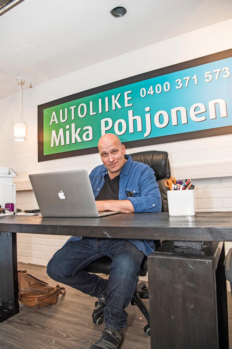 Mikan autokauppa on nyt samoilla sijainneilla muiden isojen autoliikkeiden kanssa eteläisessä Lahdessa. – Meidän kokoiselle pienyritykselle tämä on huikea hyppy!