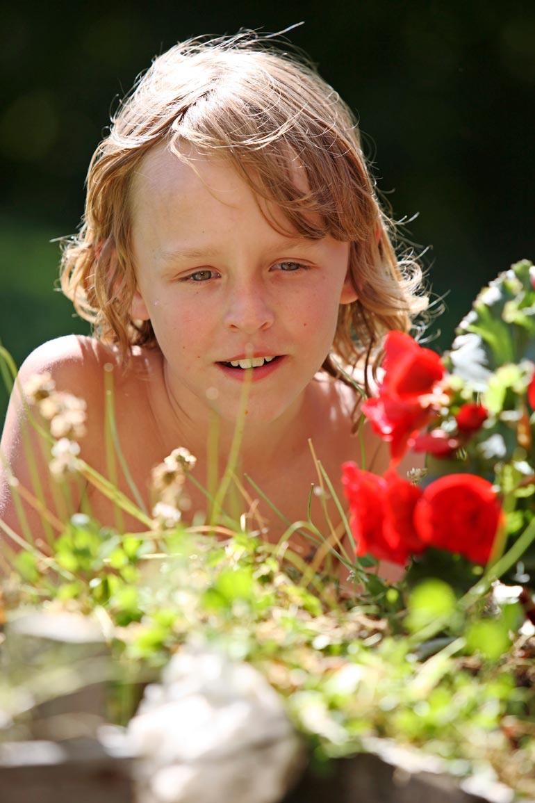 Syöpään kuollut Teet testamenttasi Anun ja Ristomatin Robin-pojalle 10 prosenttia omaisuudestaan, joka on kiinnitettynä virolaisyritykseen.