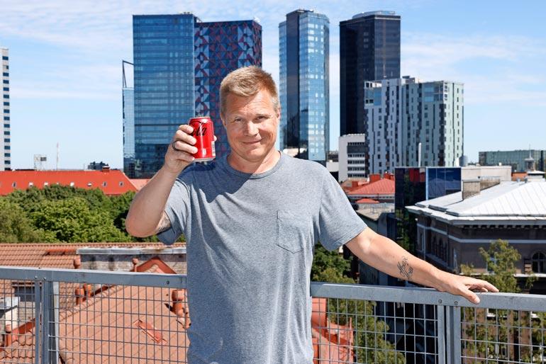 Mika kutsui Seiskan kotiinsa Tallinnaan. – En anna kotiani ventovieraiden käyttöön, mutta lapseni saavat tulla ja mennä mielensä mukaan.
