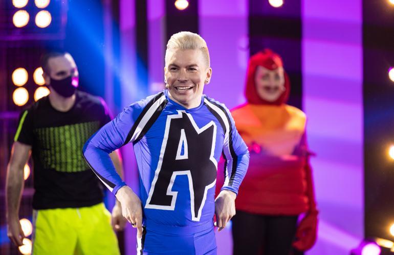 Antti Tuisku esiintyi maaliskuussa Putouksen finaalissa.