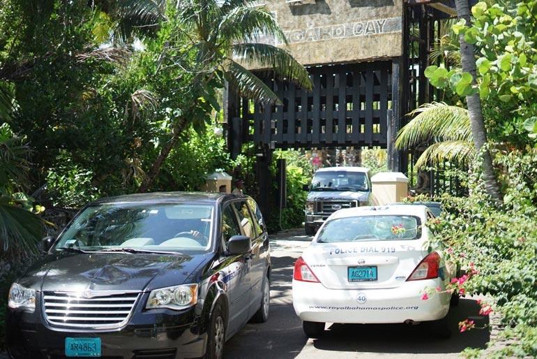 Poliisit turvasivat Nygård Cayn takavarikointioperaatiota Bahamalla.
