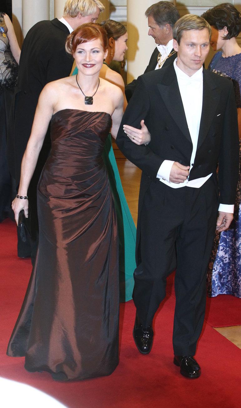 Nina ja Toni Kohonen edustivat yhdessä Linnan juhlissa 2012.