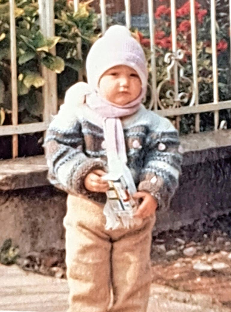 Senayn mukaan Kosovo oli käynyt todella vaaralliseksi, kun perhe muutti Suomeen.