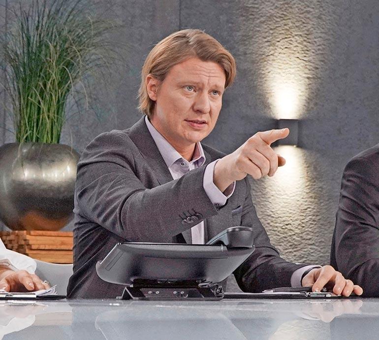 Monialayrittäjä ja supersuosittu radiojuontaja Jaajo Linnonmaa haki Diili-ohjelman viime kaudella kehitysjohtajaa yritysryppäälleen.