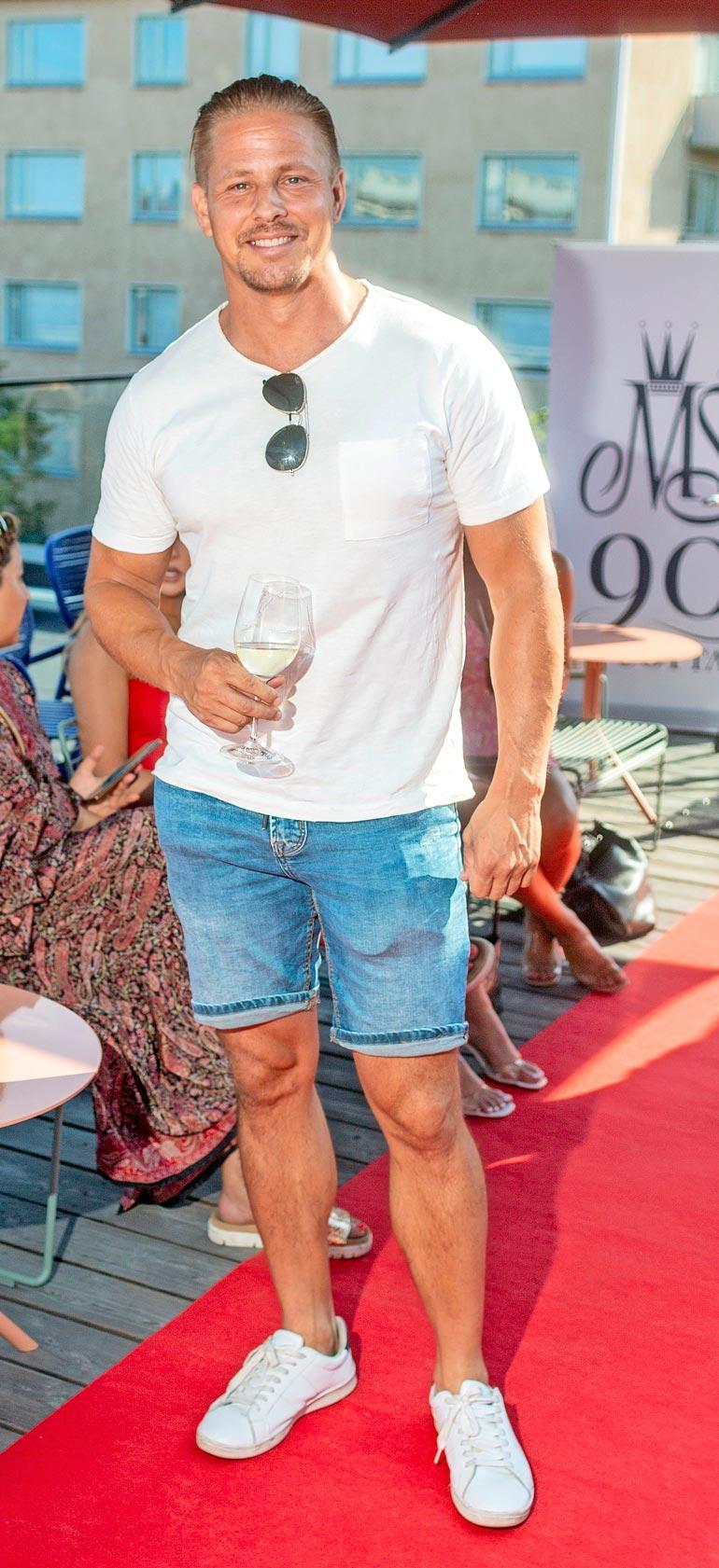 Markus Gant <3 Miss Suomi -muotinäytöksessä.
