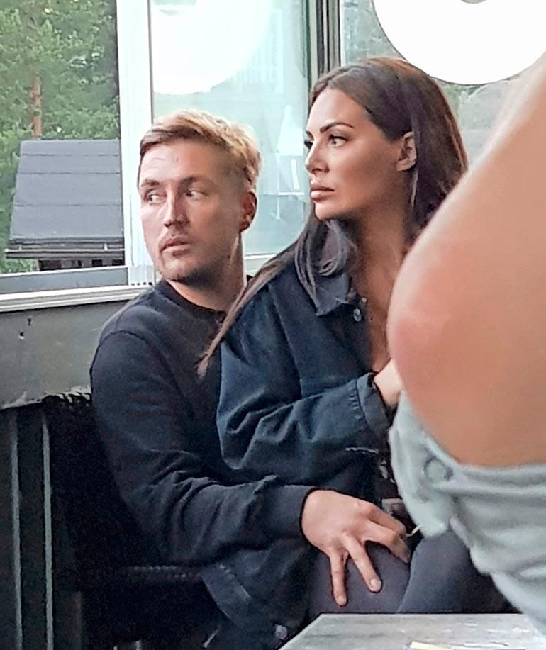 Sofia ja Stefan esiintyvät parhaillaan Sofian Salaisuudet -sarjassa Discover+ -kanavalla.