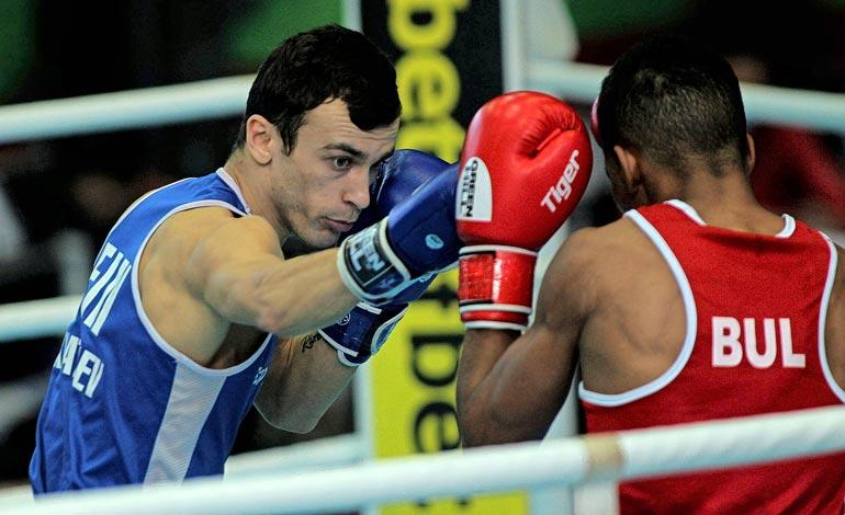 Nyrkkeilijä sai vuonna 2015 EM-hopeaa. Hän on lisäksi voittanut seitsemän SM-mitalia.
