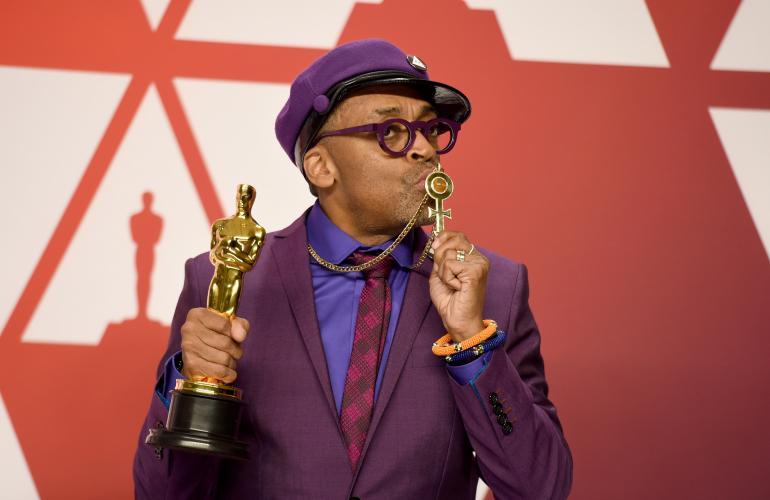 Spike Leen ohjaajama elokuva BlackKklansman palkittiin käsikirjoituksestaan Oscar-palkinnolla. Elokuvaa tähditti näyttelijä Jasper Pääkkönen, jonka Lee on palkannut myös seuraavaan elokuvaansa.